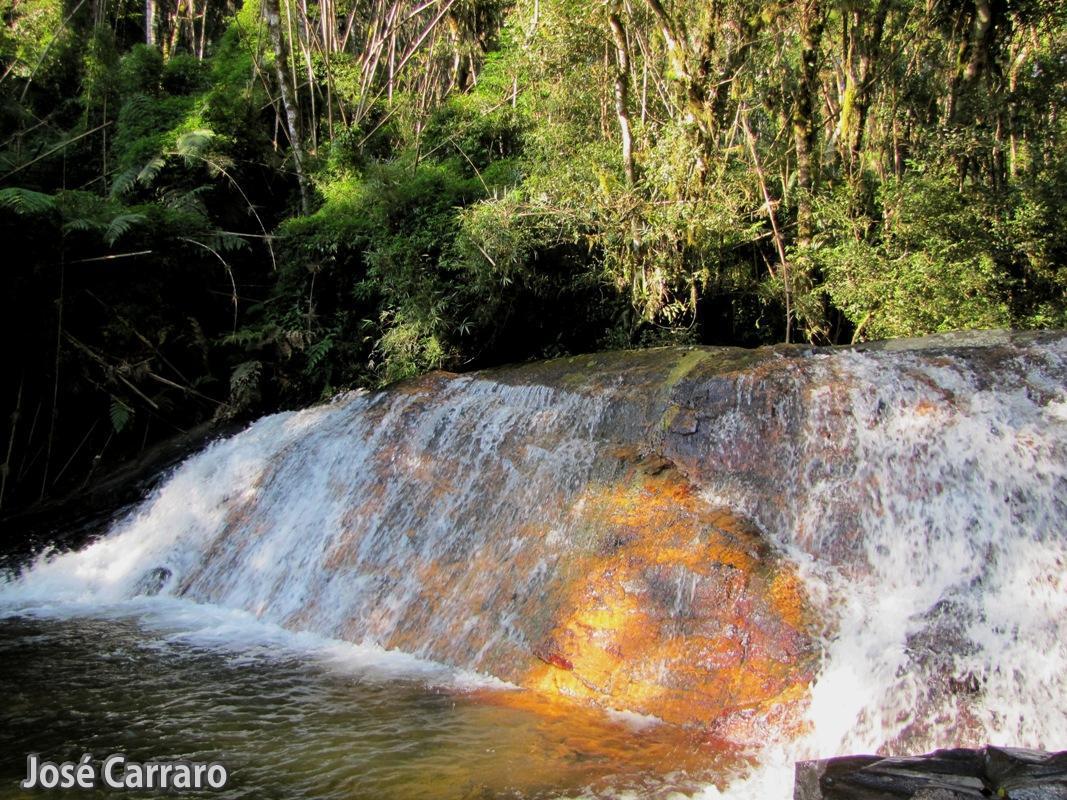 ['Cachoeira no Rio do Carvalho]