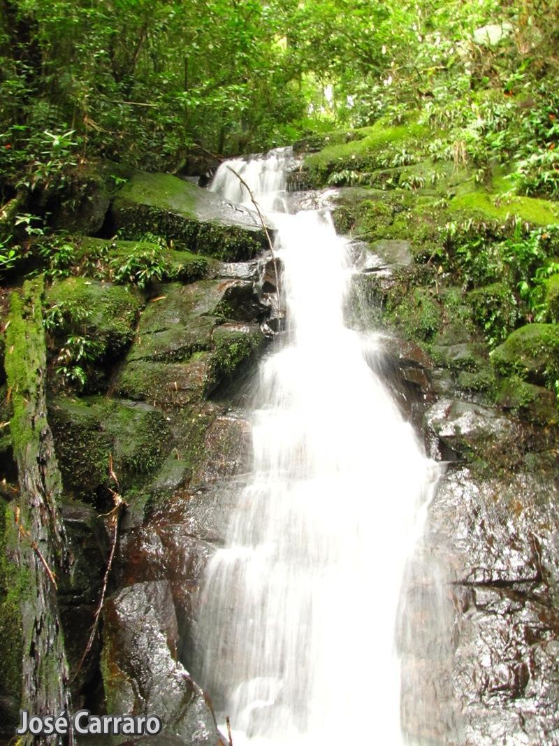 ['Cachoeiras no Ribeirão do Salto]